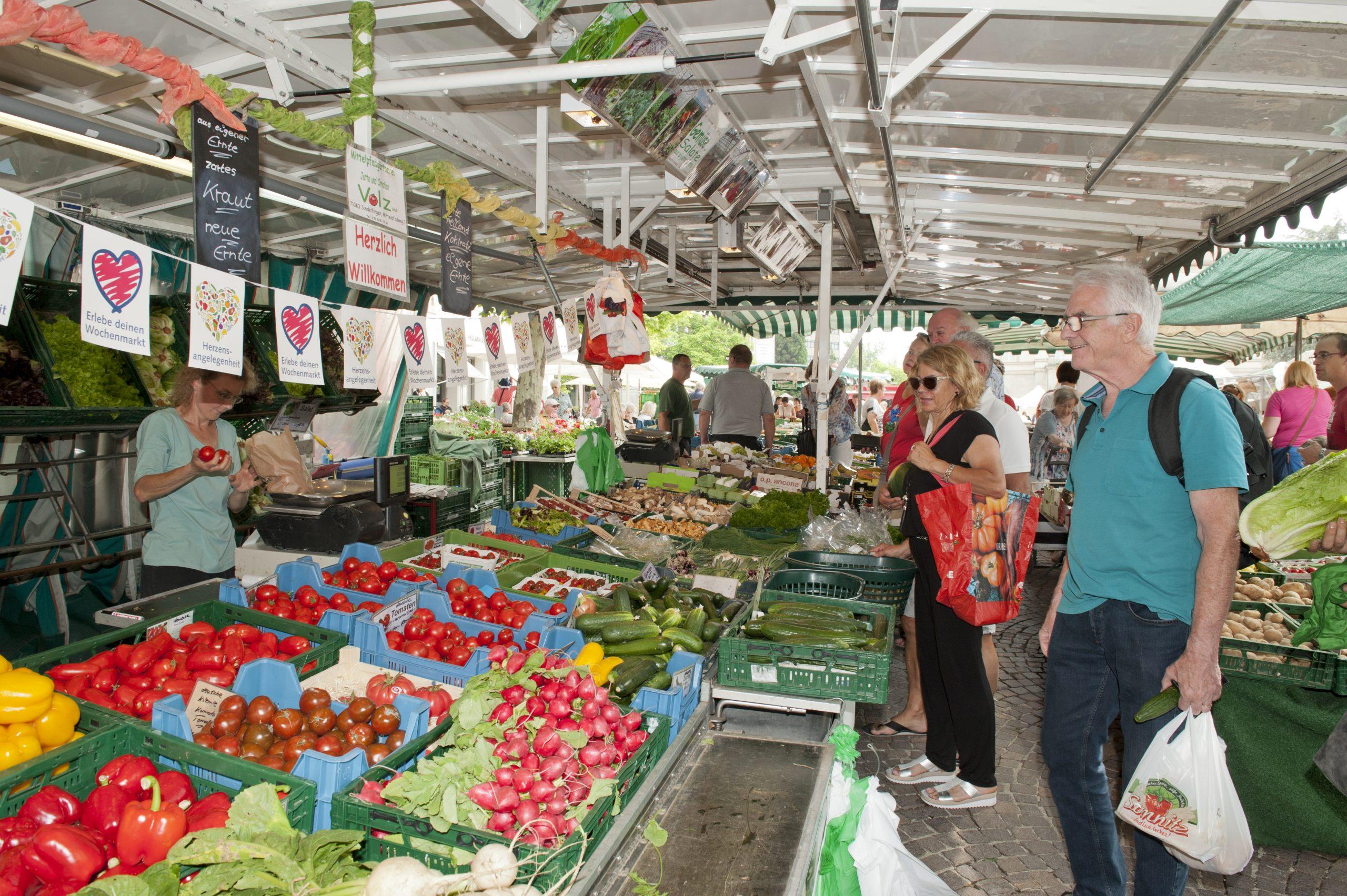 Marktbesucher Wochenmarkt