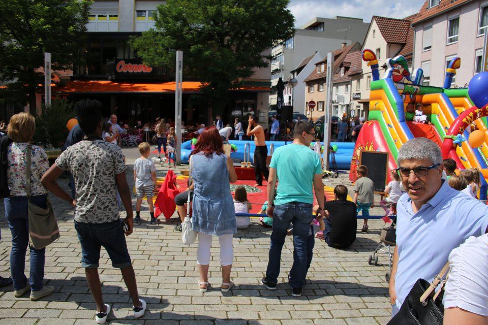 Hüpfburg auf dem Wettbachplatz