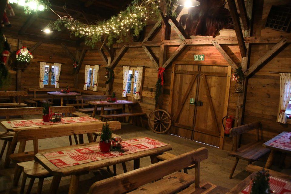 Winterhütte auf dem Wettbachplatz (Innenansicht)